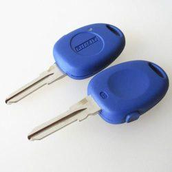 Fiat oldalt egy gombos kulcsház